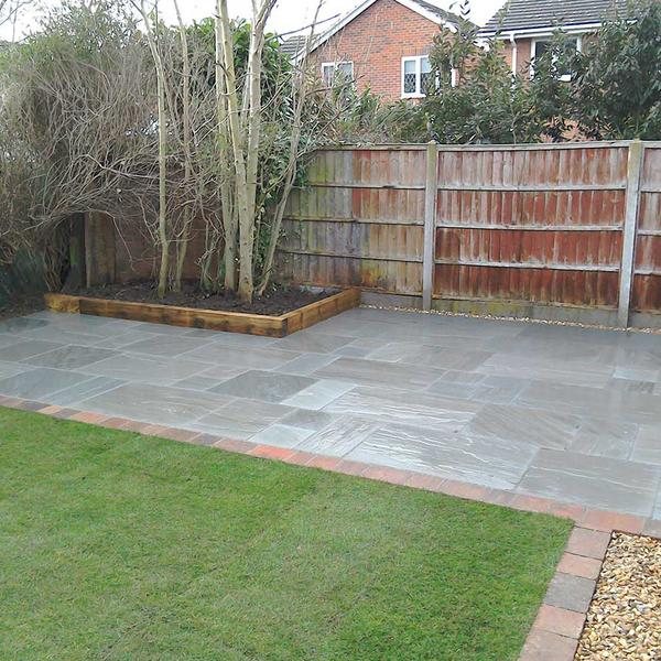 Grey Slate Patio in Radcliffe-on-Trent