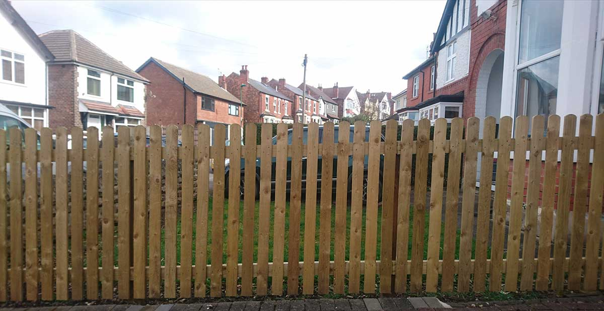 Expertly fitted fencing, trellising and screening for privacy and to enhance your outlook.